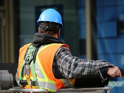 construction-worker-569126_640